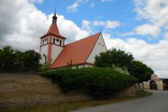 Kostel ve vesnici Oslov