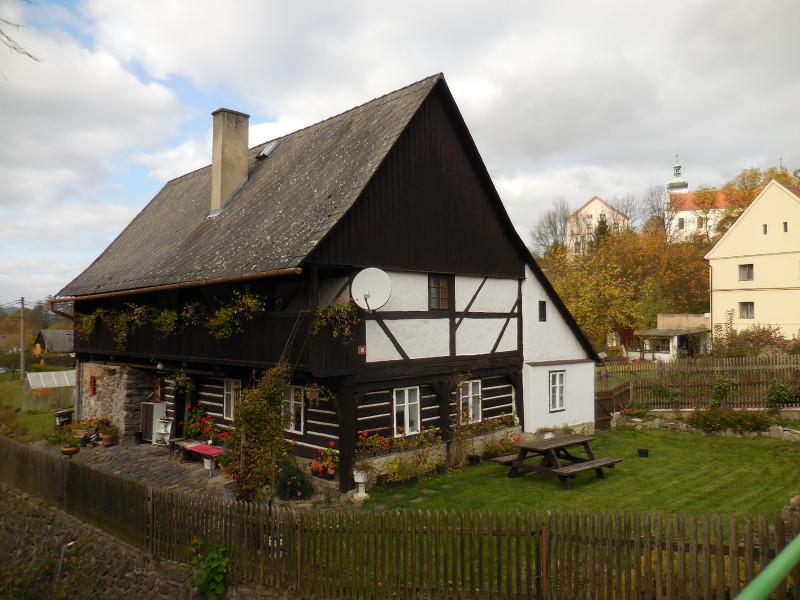 hrázděno - roubený dům v Zubrnicích