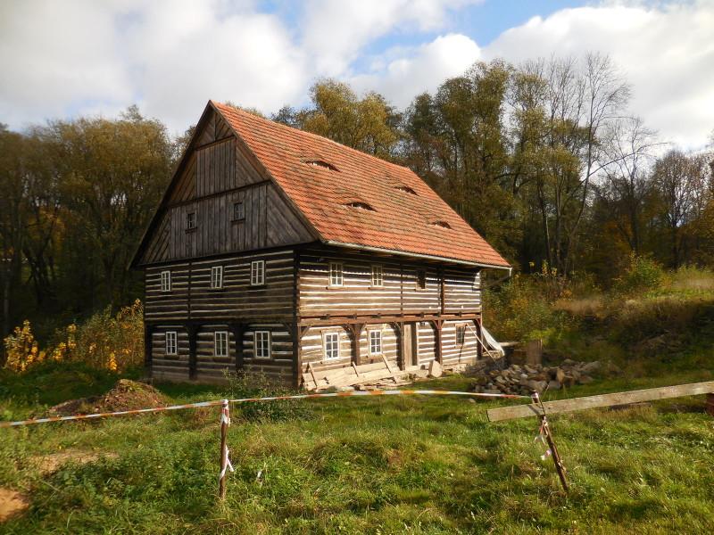 Roubený dům v Mlýnském údolí