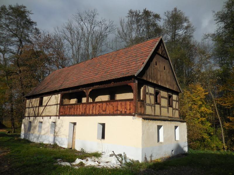 Hrázděný dům v Mlýnském údolí